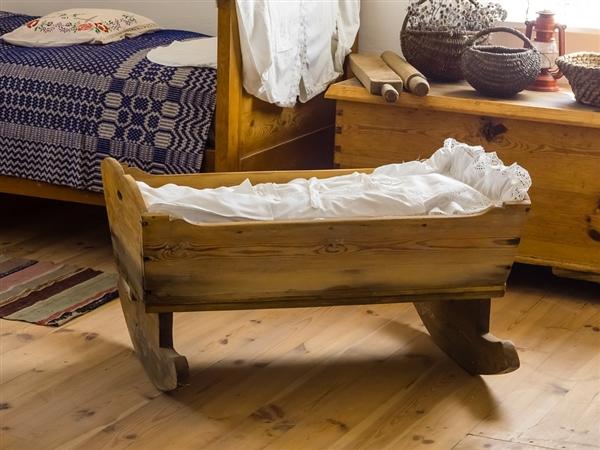 最新研究:摇晃不仅可安抚婴儿 同样可使成年人睡得更香