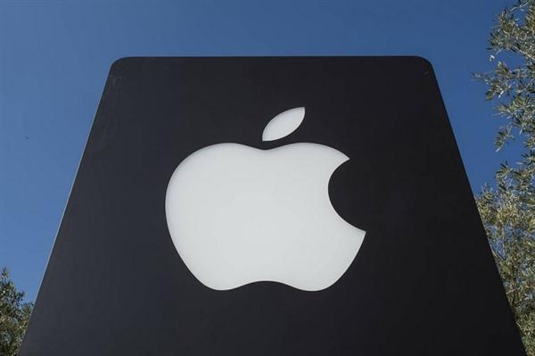 """智能设备往""""上""""走:苹果正在开发可穿戴头带"""