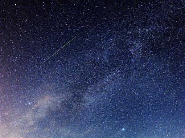 半人马座阿尔法流星雨今晚达到最大 无月夜观测极佳