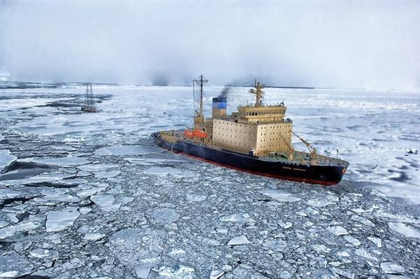 """这些人开""""风车""""到达南极冰顶"""