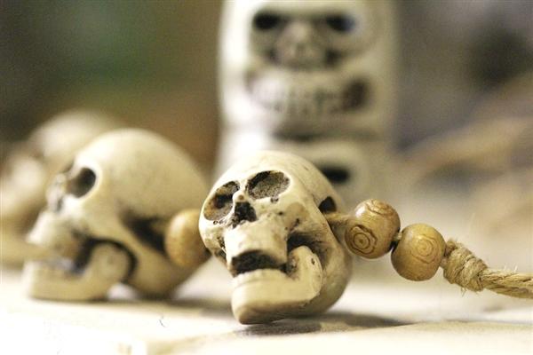 史前人类为什么要在头骨上钻孔?真相了