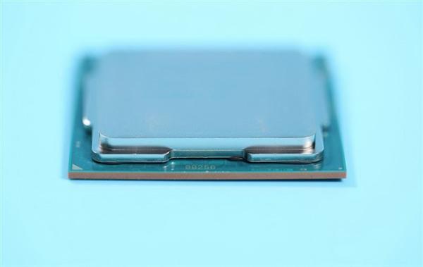 技嘉为Z390主板上全水冷:i9-9900K全核5.2GHz仅仅77℃