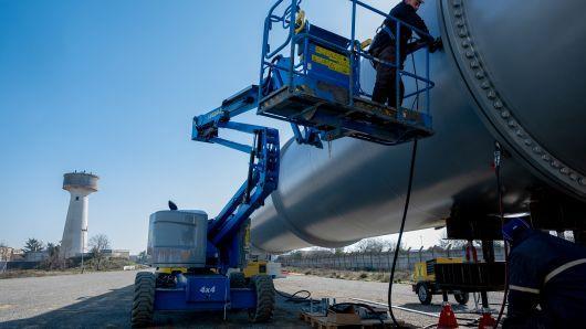 时速约1223km!超级高铁HTT测试轨道即将铺完:3年内商用