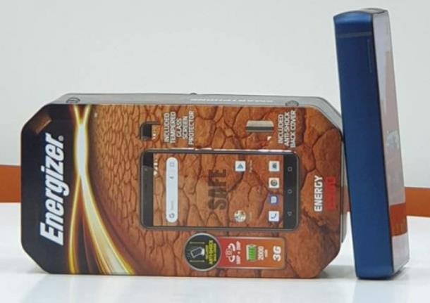 堪比板砖 配18000mAh电池的巨无霸手机见过?