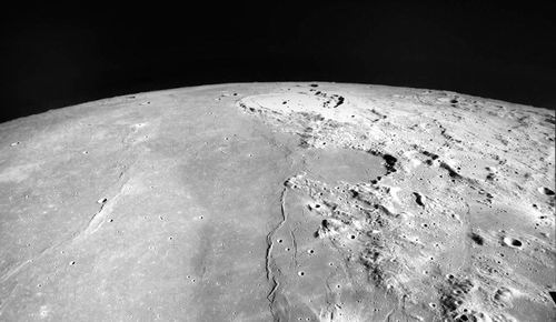 以色列月球探测器升空 深空探索迎来公私合营新时代