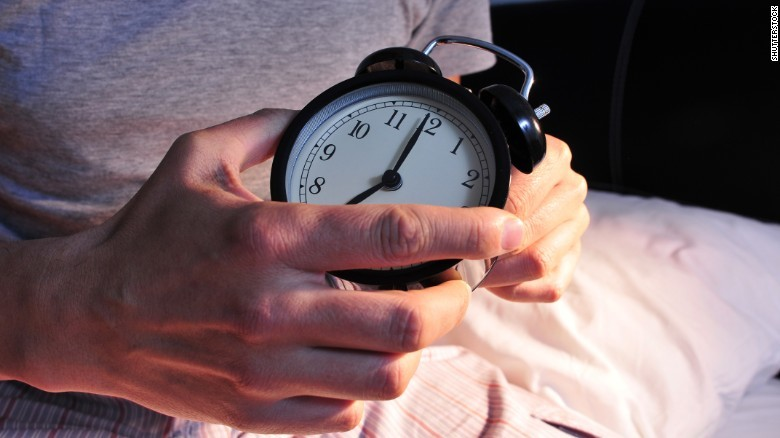 周末补懒觉没用,工作日不好好睡还会让你长胖