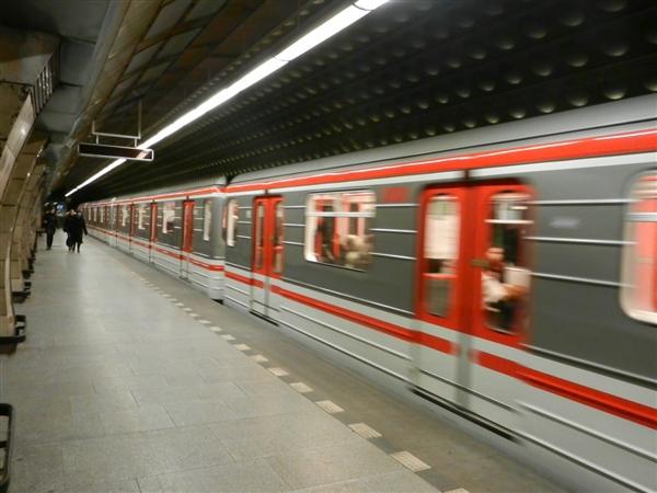 北京地铁12号线下穿京张高铁:最近距离仅1.625米