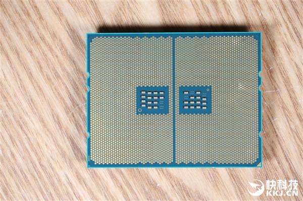 24核性能怪兽!AMD锐龙撕裂者2970WX图赏