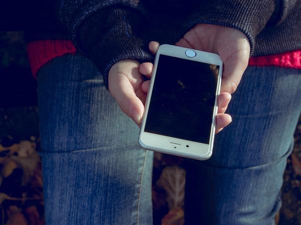 Counterpoint:2018年Q4中国智能手机线上销量京东占50%