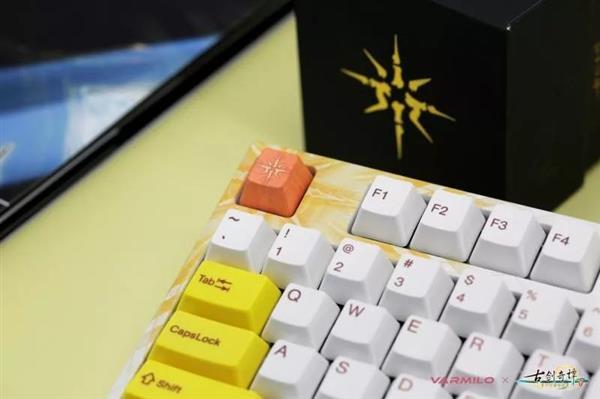 花纹绚丽:《古剑奇谭三》辟邪王主题机械键盘