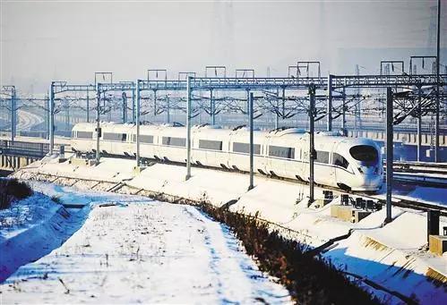 在哈大高铁上运行的CRH380B型高寒动车组