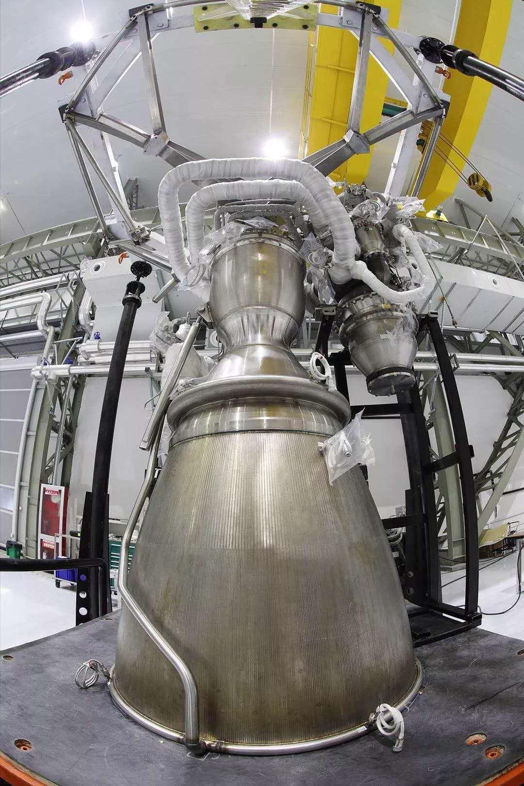 """蓝箭航天首台""""天鹊""""80吨液氧甲烷发动机完成装配"""