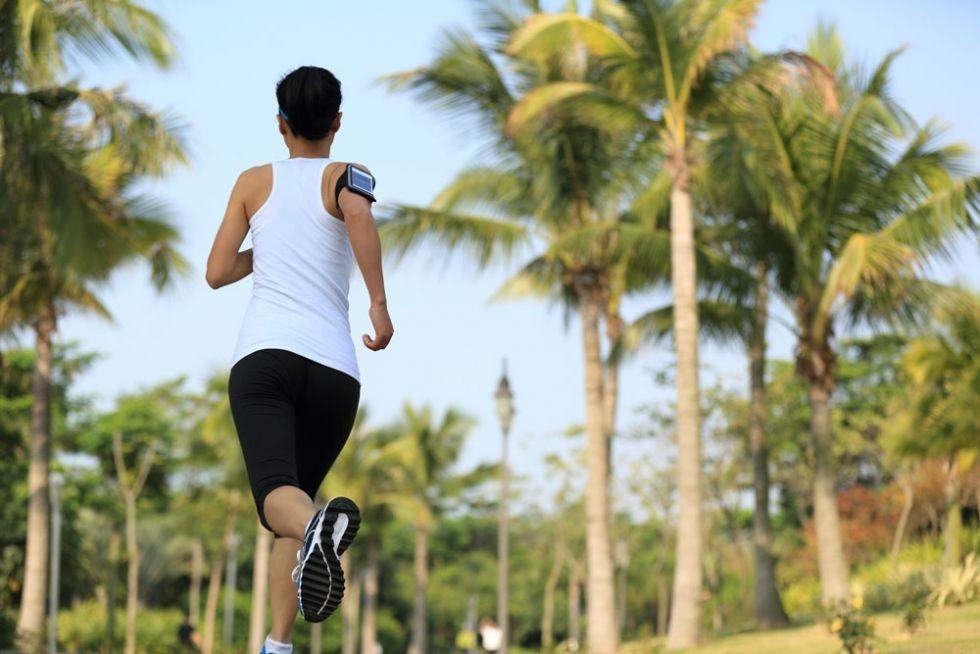趴着睡觉也能增加肺活量?那还要跑步锻炼做什么