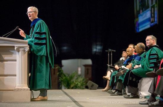 苹果CEO库克又做了一次大学演讲,这次都说了啥?