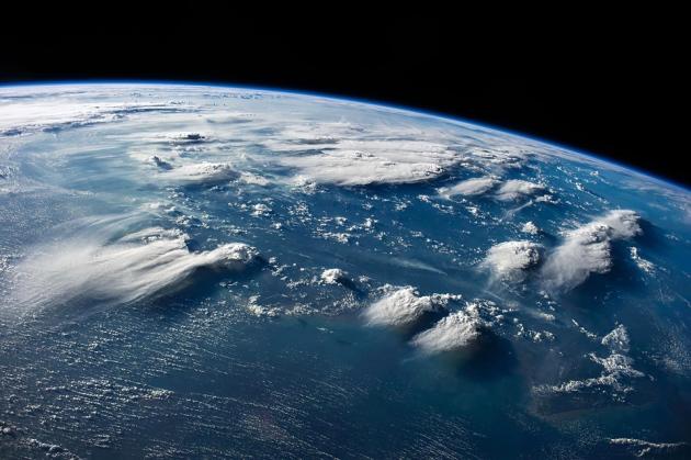 我们如何移动地球?从而避开小行星毁灭性碰撞