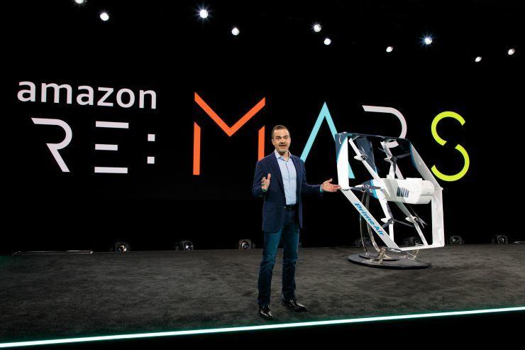 """亚马逊发新版送货无人机 """"数月内""""将用于递送包裹"""