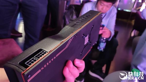 RX 5700 XT纪念版外观奇葩 强迫症不能忍