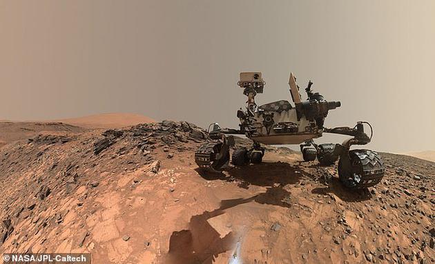 火星上的神秘发现:好奇号发现神奇白光