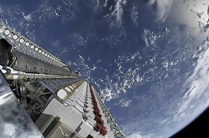 SpaceX首批60颗星链卫星3颗失联,还有2颗要毁掉