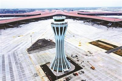 登机不超8分钟 指廊庭院中国风