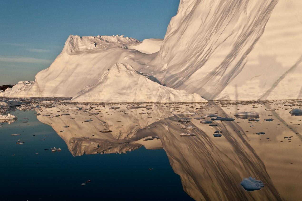 格陵兰岛冰层消融:26年间致海平面上升10.6毫米