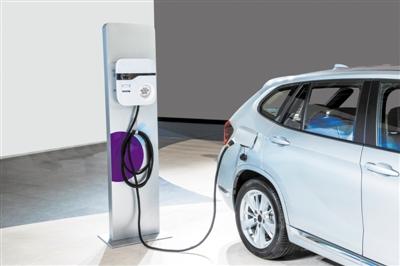 """新能源汽车的""""哥斯拉""""来了 这对国产车企来说也不全是坏事"""