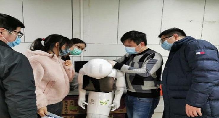 中国移动5G智能医护机器人在武汉抗疫前线正式上岗