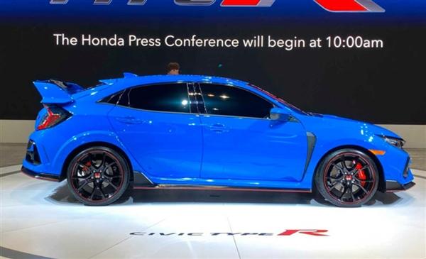 本田新款Type R芝加哥车展亮相:中置三排气 搭2.0T高功率增压机