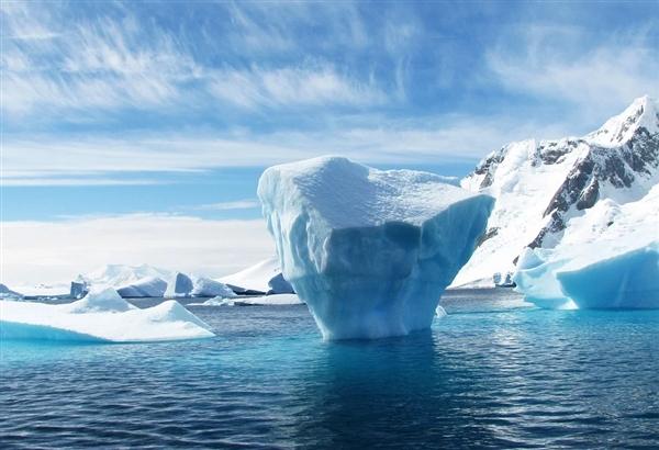游荡3年!4个伦敦大的冰山漂入公海