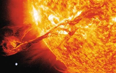 """环形耀斑与日冕变暗有关? 太阳爆发活动都是""""团伙作案"""""""