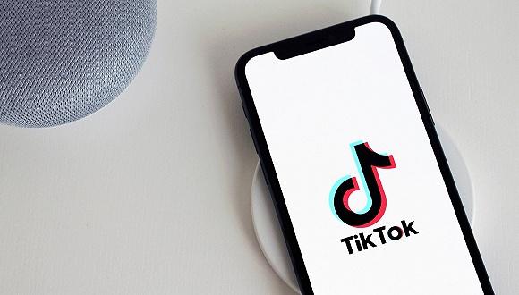 "TikTok官号发布""稳定军心""视频:我们不会离开"