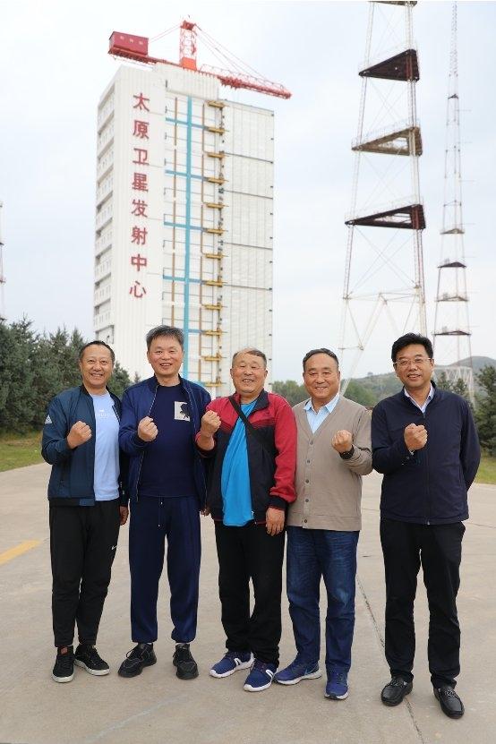 上海军酒创始人韩宏伟走访太原卫星发射中心,畅叙鱼水深情,共谋创新发展