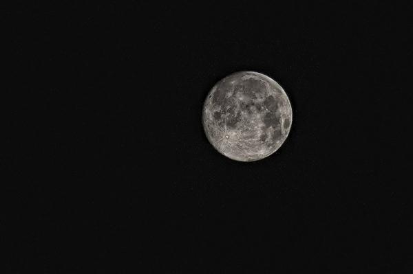 在月球上挖土有多难?